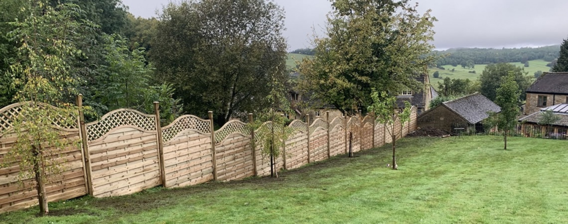 Fencing Contractor in the Cotswolds - Tustins Tidy Gardens -