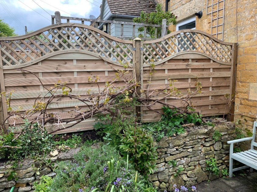 Decorative Wooden Fence - Snowshill -